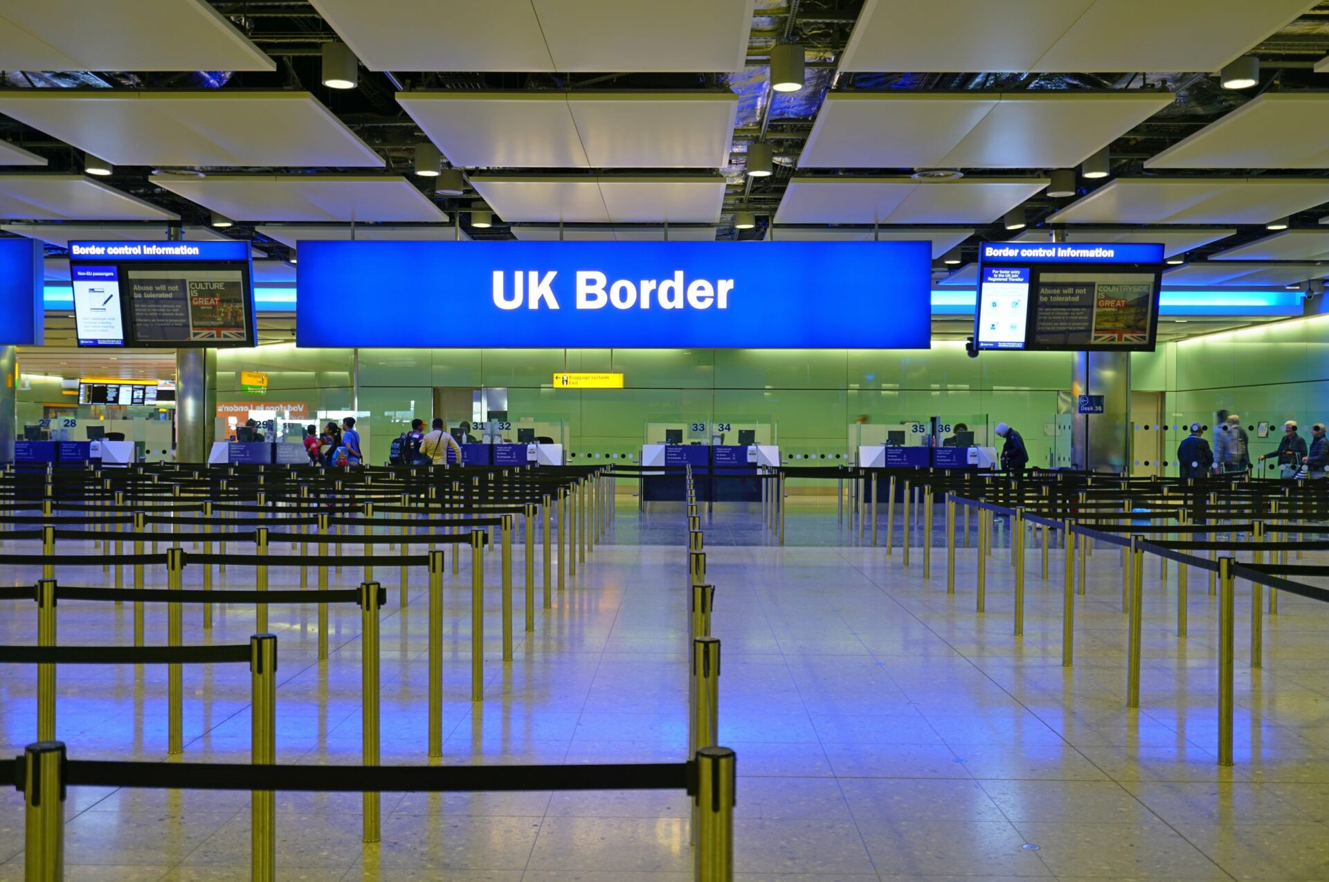 Entry into the UK, Immigration - Saracens Solicitors